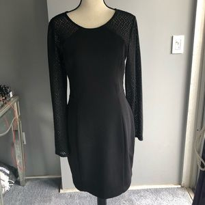 Guess Blk stretch knit dress with lace sleeves